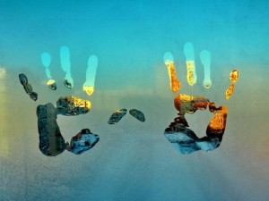 Creative_Wallpaper_Condensation_handprint_palm_prints_wallpaper_043119_29